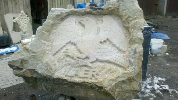 Das Wappentier von Laer, der Falke